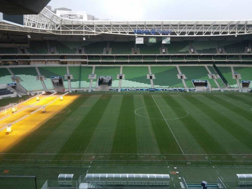 Foto tirada nesta quinta-feira (23) mostra condições e recuperação do gramado do Allianz Parque. (Instagram: @IRufato/Reprodução)