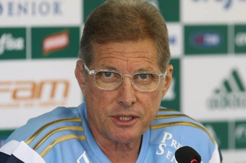 Oswaldo mostrou preocupação com a condição física dos dois atletas e disse que os meias ainda não estão 100% para a fase final (Cesar Greco/Ag. Palmeiras/Divulgação)
