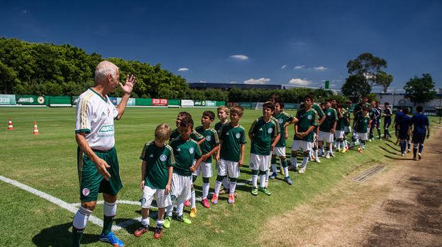 Palmeiras Camp já contou com a presença de ídolos como O Divino Ademir da Guia. (Divulgação)