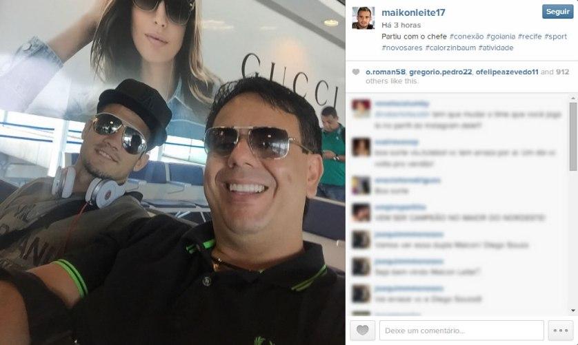 Atacante postou foto ao lado do empresário a caminho de Recife. (Instagram)