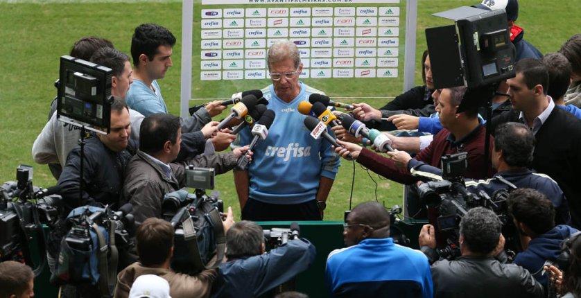 O técnico do Verdão, Oswaldo de Oliveira, concedeu entrevista no Allianz Parque, nesta sexta-feira (08). (Cesar Greco/Ag. Palmeiras/Divulgação)
