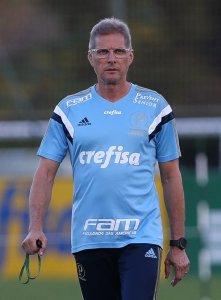 Oswaldo de Oliveira concedeu entrevista coletiva na Academia de Futebol nesta terça (26). (Cesar Greco/Ag. Palmeiras/Divulgação)