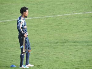 Zé Roberto e outros reservas no clássico trabalharam com bola nesta segunda, 29. (Mídia Palmeirense)