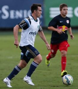 Recuperado de lesão no joelho, Mouche participou do jogo-treino em busca de ritmo. (Cesar Greco/Ag.Palmeiras/Divulgação)