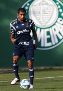 Taylor já realizou treinos com o time profissional. (Cesar Greco/Ag.Palmeiras/Divulgação)