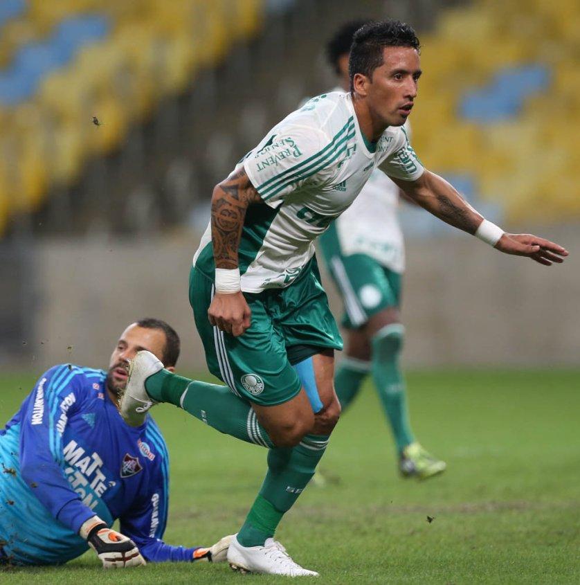 Lucas Barrios teve sua melhor atuação desde a estreia no Verdão. (Cesar Greco/Ag.Palmeiras/Divulgação)