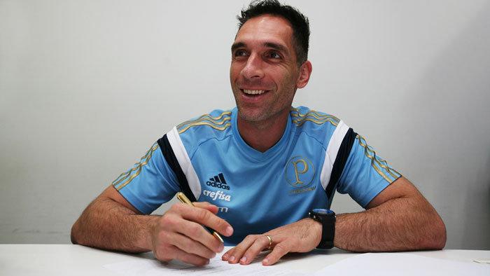 Fernando Prass está em sua terceira temporada com a camisa do Verdão. (Fabio Menotti/Ag.Palmeiras/Divulgação)