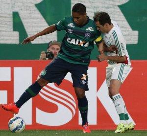 'Foi um jogo para esquecer', disse o lateral-direito Lucas após a derrota. (Cesar Greco/Ag. Palmeiras/Divulgação)