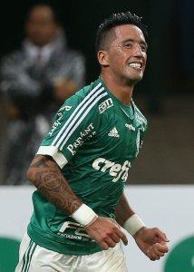 Lucas Barrios entrou no segundo tempo para marcar o gol de empate do Verdão contra o Cruzeiro. (Cesar Greco/Ag. Palmeiras/Divulgação)