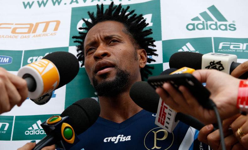 'Este período que ficaremos aqui somará muita coisa para o término do ano', disse Zé Roberto em entrevista coletiva. (Cesar Greco/Ag. Palmeiras/Divulgação)