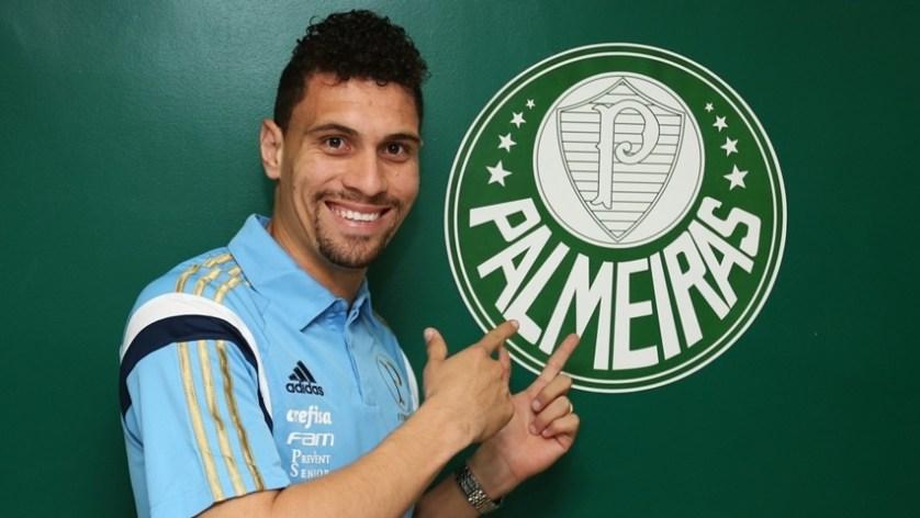 Campeão na Croácia, Moisés é o novo reforço do Palmeiras para 2016. (Fabio Menotti/Ag. Palmeiras/Divulgação)