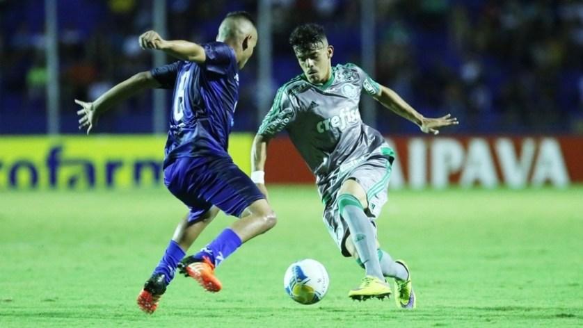 Improvisado na lateral, Bruno Garcia se destacou na partida contra o São José. (Fabio Menotti/Ag.Palmeiras/Divulgação)