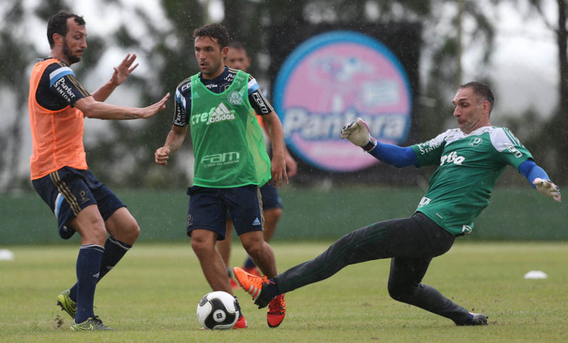 Comissão técnica promoveu coletivo e repetiu o time titular nesta quinta-feira (14).  (Cesar Greco/Ag. Palmeiras/Divulgação)