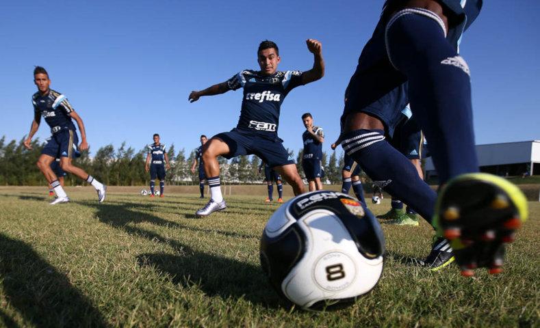 Palmeiras treinou desta sexta-feira (22), no centro de treinamento do Danúbio, do Uruguai, (Cesar Greco/Ag.Palmeiras/Divulgação)