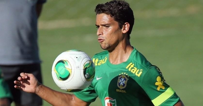 O volante Jean é o oitavo reforço do Palmeiras para 2016.