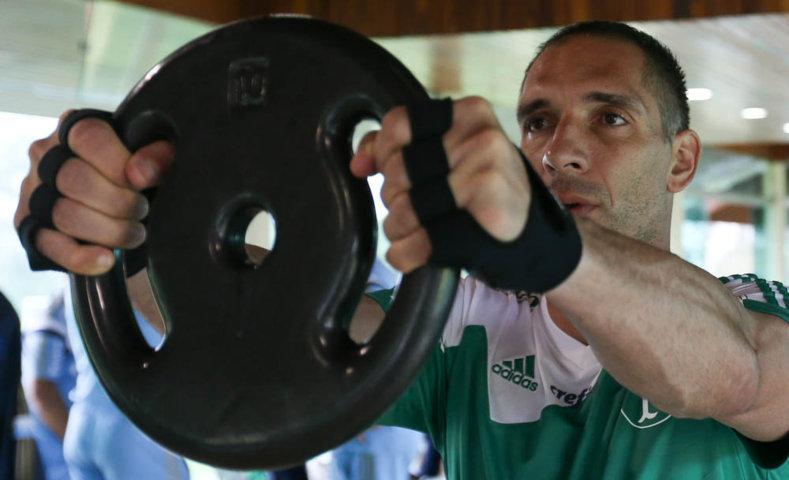 O elenco palmeirense começou o dia com treino físico na Academia de Futebol. (Cesar Greco/Ag. Palmeiras/Divulgação)
