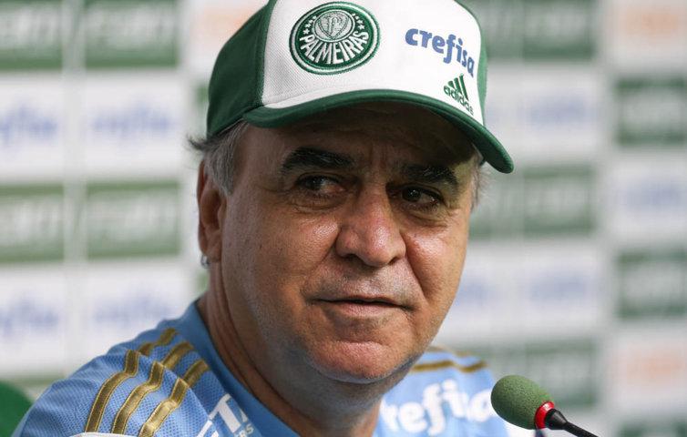 Em entrevista coletiva, Marcelo Oliveira confirmou a ausência de Lucas Barrios no clássico contra o Santos. (Cesar Greco/Ag. Palmeiras/Divulgação)