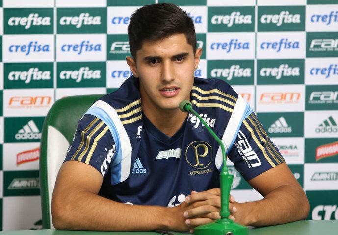 Thiago Martins concedeu entrevista coletiva após o treino desta quarta (20). (Cesar Greco/Ag.Palmeiras/Divulgação)
