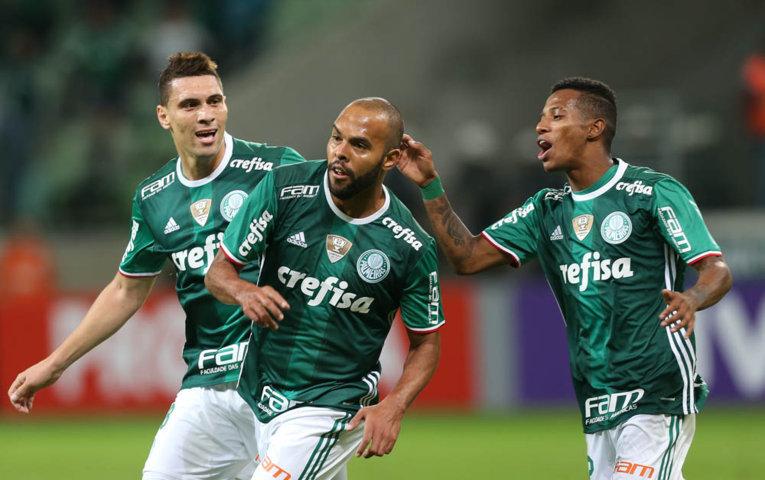 Alecsandro entrou no intervalo da partida e ajudou Verdão a bater o Flu. (Cesar Greco/Ag.Palmeiras/Divulgação)