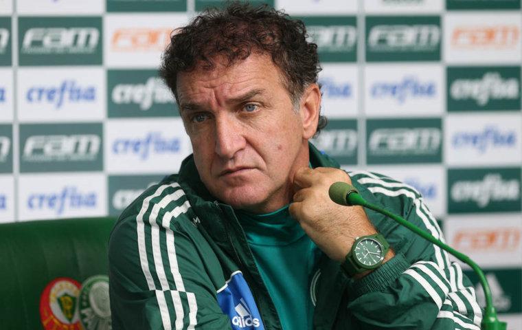O técnico Cuca concedeu entrevista coletiva na Academia de Futebol após o treino desta sexta-feira (10). (Cesar Greco/Ag Palmeiras/Divulgação)