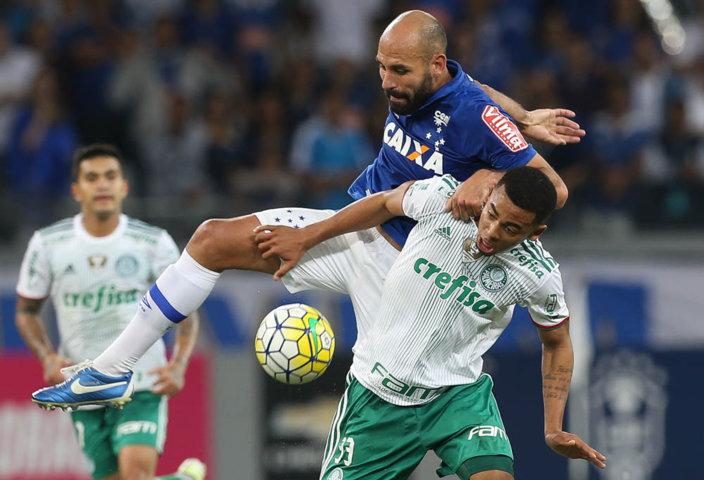 Gabriel Jesus anotou único gol do Verdão na noite deste sábado (25). (Cesar Greco/Ag.Palmeiras/Divulgação)