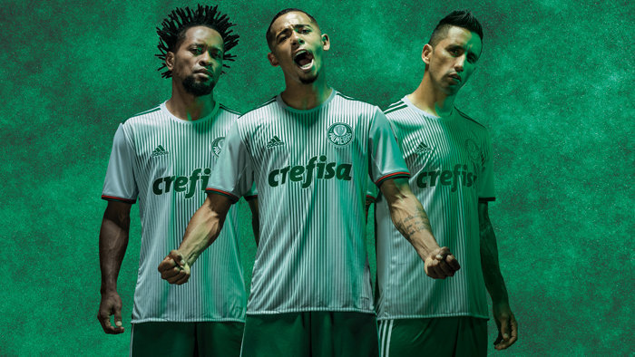 A nova segunda camisa do Verdão tem listras verdes que representam a pulsação do torcedor. (Divulgação)