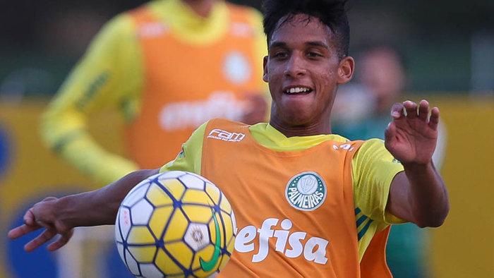 A convocação é a primeira de Vitinho na carreira. (Cesar Greco/Ag.Palmeiras/Divulgação)