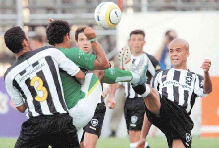 No único duelo entre as equipes no Luso-Brasileiro, na vitória do Verdão por 2 a 1. (Divulgação)