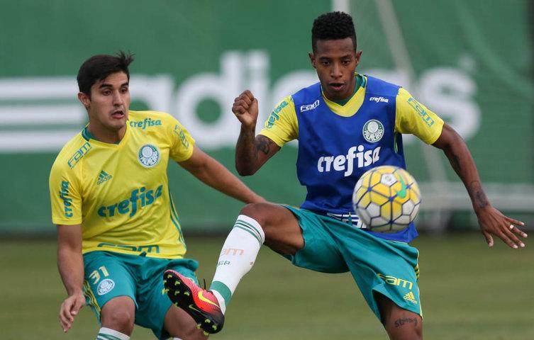Tchê Tchê volta a ser relacionado após cumprir suspensão automática por cartões amarelos na rodada passada. (Cesar Greco/Ag Palmeiras/Divulgação)