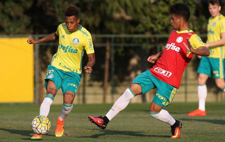 Palmeiras se reapresentou e treinou nesta segunda-feira (01), na Academia de Futebol. (Cesar Greco/Ag Palmeiras/Divulgação)