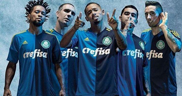 Nova camisa 3 relembra o tricampeonato da Copa do Brasil. (Divulgação)