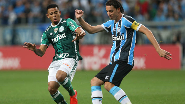 Gabriel Jesus sofreu pênalti que resultou no gol palmeirense diante do Grêmio. (Cesar Greco/Ag.Palmeiras/Divulgação)