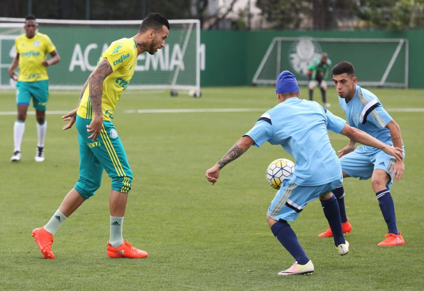 O Palmeiras realizou na tarde desta sexta-feira (30), na Academia de Futebol, um jogo-treino contra o Sub-20. (Cesar Greco/Ag Palmeiras/Divulgação)