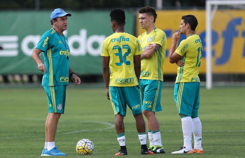 Cuca realizou uma atividade tática visando o clássico de sábado (29), contra o Santos. (Cesar Greco/Ag.Palmeiras/Divulgação)