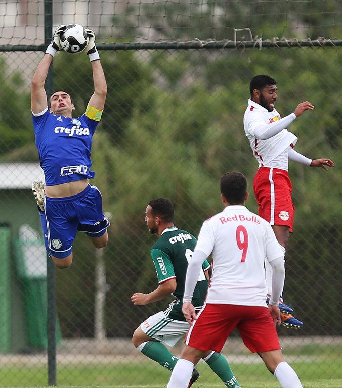 Destaque do Sub-20 alviverde, Daniel Fuzato já disputou amistosos com a Seleção. (Fabio Menotti/Ag.Palmeiras/Divulgação)