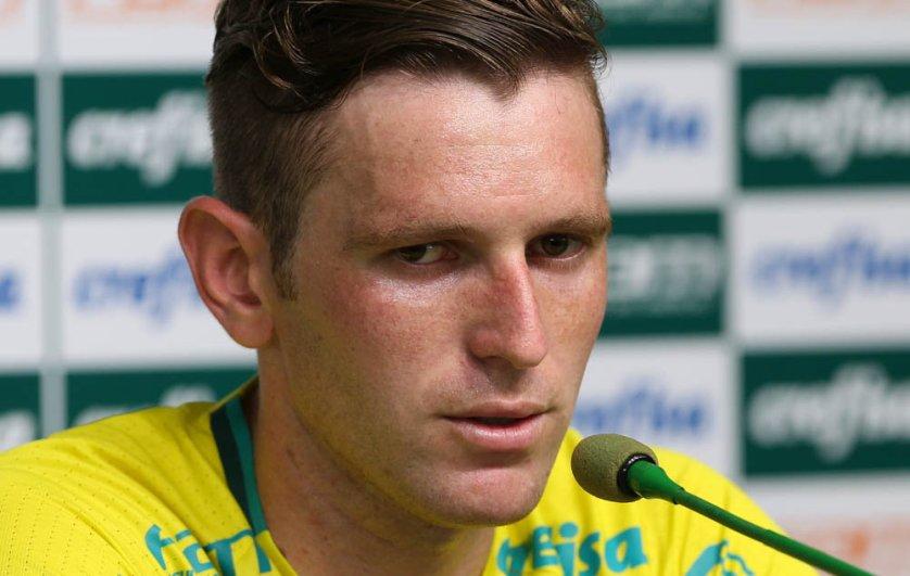 Titular diante do Sport, Fabiano concedeu entrevista coletiva nesta quarta-feira (26). (Cesar Greco/Ag.Palmeiras/Divulgação)