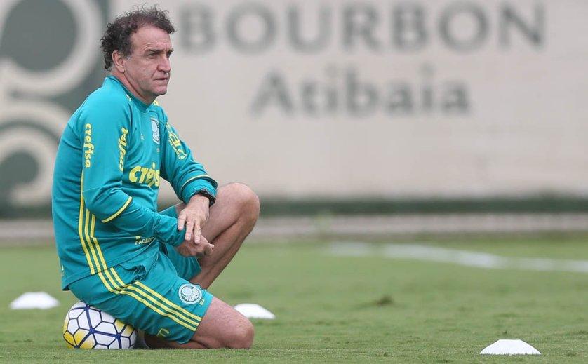 O técnico Cuca divulgou a lista de atletas relacionados para o duelo com o Botafogo. (Cesar Greco/Ag.Palmeiras/Divulgação)