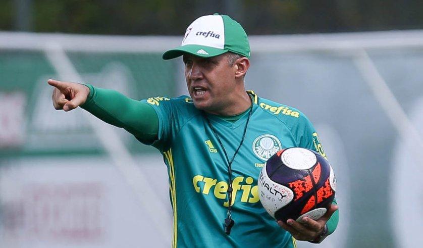 Além dos trabalhos técnicos habituais, o técnico Eduardo Baptista comandou uma atividade tática. (Cesar Greco/Ag.Palmeiras/Divulgação)