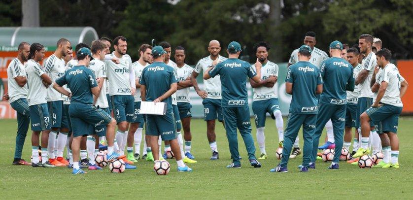 Eduardo Baptista relacionou 23 jogadores para enfrentar o Santos. (Cesar Greco/Ag. Palmeiras/Divulgação)