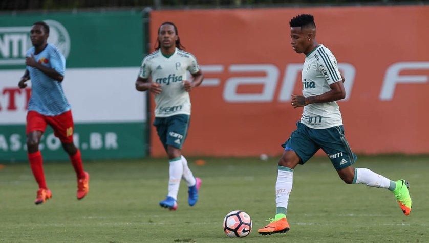 Recuperado da lesão, Tchê Tchê voltou a ser relacionado. (Cesar Greco/Ag Palmeiras/Divulgação)