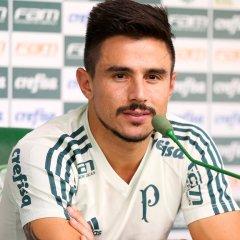 Provável substituto de Borja, Willian diz que sempre quer estar entre os 11