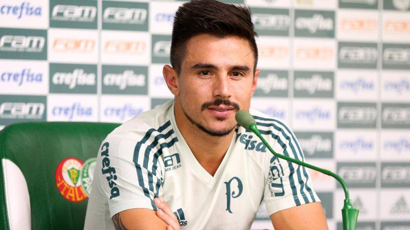 Artilheiro do Verdão na temporada, Willian concedeu entrevista coletiva antes do treino desta terça (28). (Fabio Menotti/Ag Palmeiras/Divulgação)