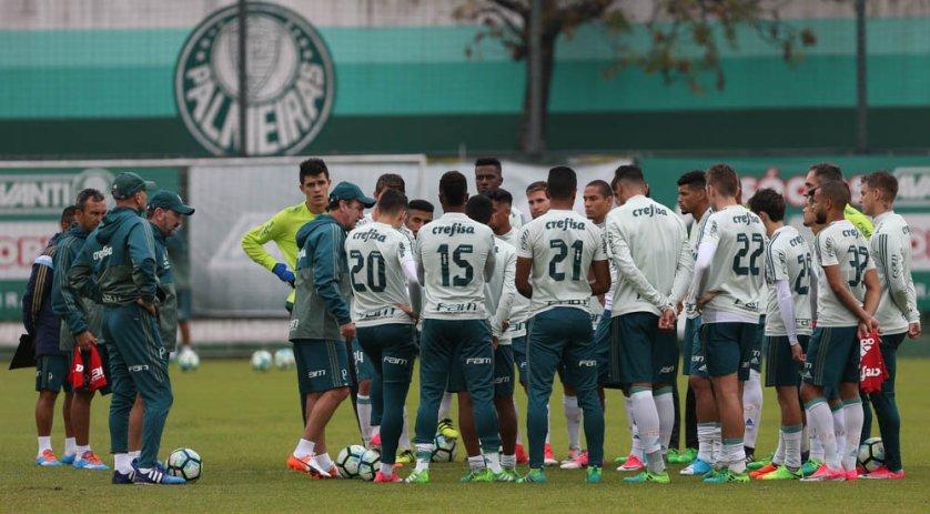 O time esboçado pelo técnico Cuca deve ser o que enfrentará a Chapeocense no sábado (20). (Cesar Greco/Ag Palmeiras/Divulgação)