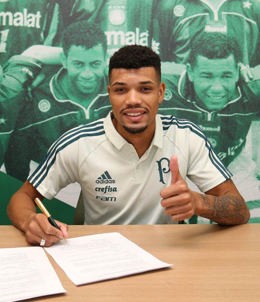 Juninho assinou contrato com o Verdão até 2022. (Cesar Greco/Ag Palmeiras/Divulgação)