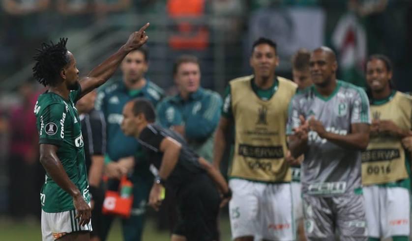 Zé Roberto se tornou o jogador mais velho a marcar um gol na Copa Libertadores da América. (Cesar Greco/Ag Palmeiras/Divulgação)