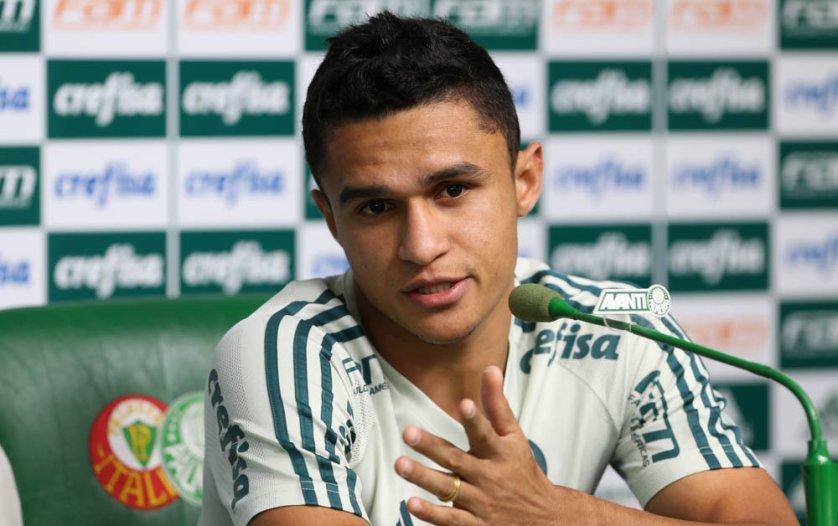 Destaque na vitória sobre a Ponte, Erik concedeu coletiva nesta segunda (26). (Cesar Greco/Ag Palmeiras/Divulgação)