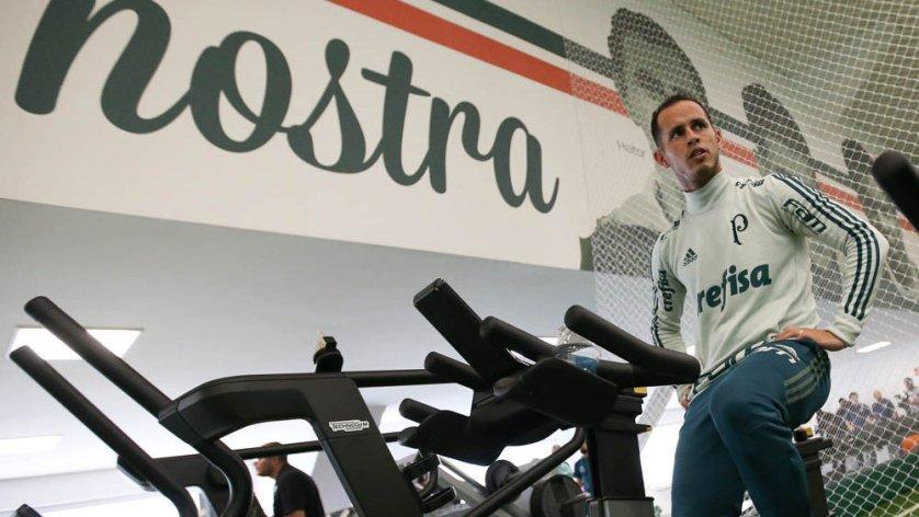 Guerra participou da atividade física e pode ser reforço contra o Fluminense. (Cesar Greco/Ag Palmeiras/Divulgação)