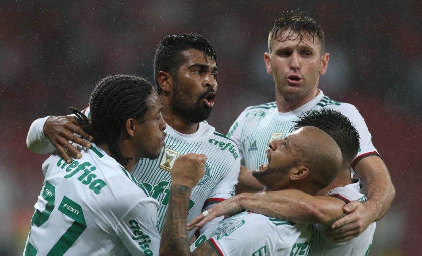 Thiago Santos marcou gol heroico no segundo tempo. (Cesar Greco/Ag. Palmeiras/Divulgação)