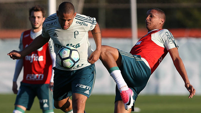 Deyverson treinou normalmente nesta segunda-feira (17). (Cesar Greco/Ag. Palmeiras/Divulgação)