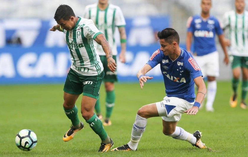 Pelo Verdão, Dudu, que já enfrentou o Corinthians em sete oportunidades e marcou dois gols. (Cesar Greco/Ag Palmeiras/Divulgação)